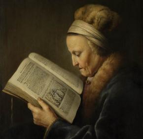 Velha lendo a Bíblia
